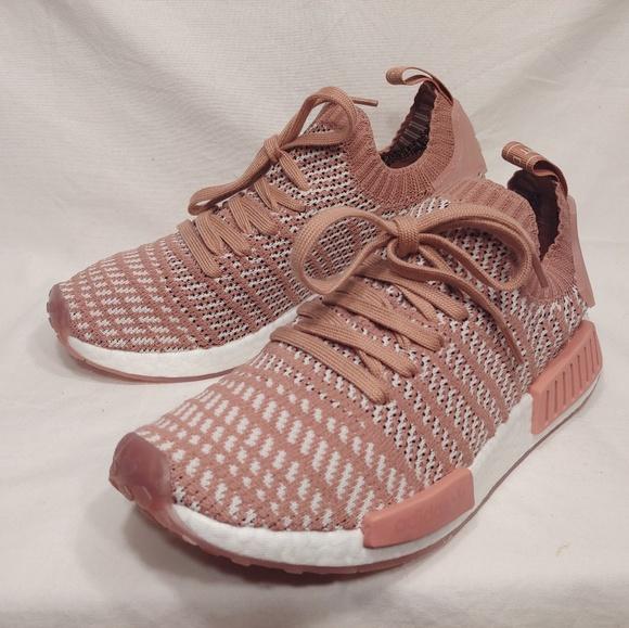 check out 646fb 9e89f Adidas NMD R1 PrimeKnit STLT Ash Pink Size  8
